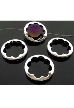 www.snowfall-beads.de - Kunststoff Perlen metal look flach rund mit Blume 25mm