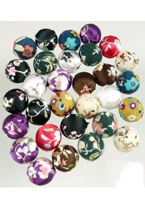 www.snowfall-beads.com - Mix synthetic beads round, decorated with fabric ± 16mm