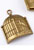 www.snowfall-beads.fr - Pendentifs/breloques de métal, volière avec oiseau ± 32x23mm