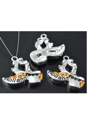 www.snowfall-perles.be - Pendentifs/breloques de métal, sabot avec garçon et fille 'Love Holland', avec epoxy et strass ± 29x26mm (oeil ± 2,5mm)