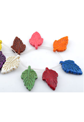 www.snowfall-beads.co.uk - Mix natural stone beads Turquoise Howlite leaf ± 29x18mm (hole ± 1mm) (± 18 pcs.)