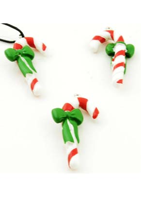 www.snowfall-beads.fr - Pendentifs/breloques Noël de matière synthétique, bâton de sucre d'orge avec nœud ± 42x23mm (oeil ± 2mm)