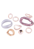 www.snowfall-beads.com - Mix synthetic links/connectors ± 25-44mm and beads ± 18mm - D16109
