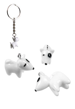 www.snowfall-beads.com - Synthetic pendants/charms dog 23x22mm