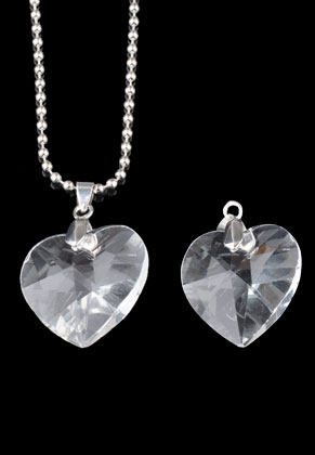 www.snowfall-beads.com - Glass pendants heart with clip 41x28mm