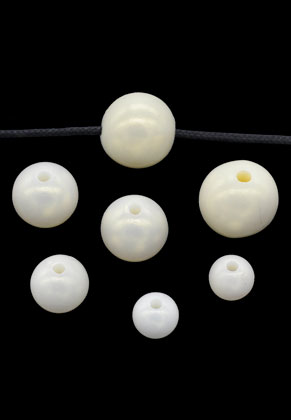 www.snowfall-beads.com - Mix synthetic beads round 8-14mm (100 pcs.)