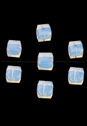 www.snowfall-beads.com - Glass beads crystal cube faceted 6mm