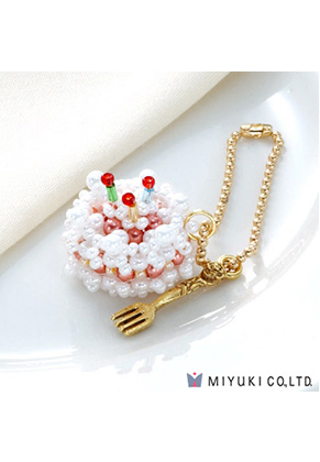 www.snowfall-beads.es - Miyuki kit de joyería colgante pastel Sweets Charm No. 24 Birthday Cake