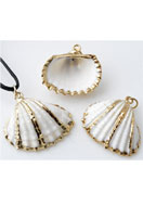 www.snowfall-beads.co.uk - Shell pendant ± 23-30x20-29mm - E00710