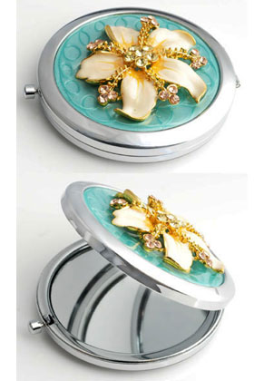 www.snowfall-beads.com - Metal pocket-mirror with flower, epoxy and strass 77x70mm