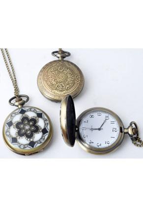 www.snowfall-fashion.es - Collar de metal 77cm con reloj 64x46mm