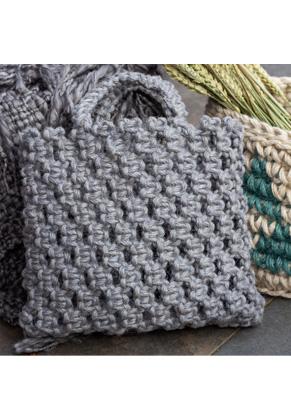 www.snowfall-beads.co.uk - Hoooked DIY macrame kit bag Bauru Jute