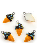 www.snowfall-beads.com - Synthetic pendants/charms ice cream 22x12mm - E01898