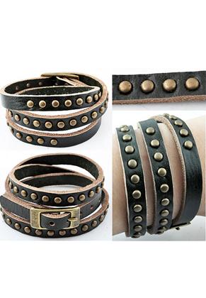 www.snowfall-beads.fr - Bracelet de cuir, 3 double avec studs ± 55cmx8mm, réglable en mesure, largeur intérieure ± 15-17cm
