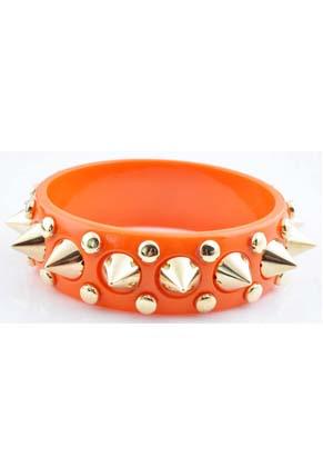 www.snowfall-beads.fr - Bracelet de matière synthétique avec studs ± 9,5x2,5cm, largeur intérieure ± 21cm