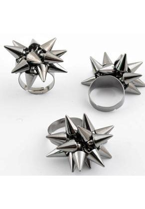 www.snowfall-beads.fr - Anneau de métal avec studs de matière synthétique metal look ± 38x34mm (réglable en mesure >= 18mm)