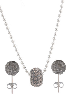www.snowfall-beads.nl - Set van roestvrijstalen halsketting en metalen oorstekers met polymeerklei en strass