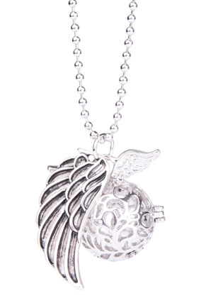 www.snowfall-beads.co.uk - Necklace with angel caller/Prayer Box round and pendant wing 65cm