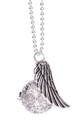 www.snowfall-beads.com - Necklace with angel caller/Prayer Box round and pendant wing 65cm