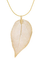 www.snowfall-beads.com - Necklace with pendant leaf 60cm  - J04197