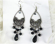 www.snowfall-beads.fr - Projet bijoux: Black Chandelier Earrings