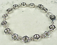 www.snowfall-beads.be - Sieradenproject: Metal hexnut bracelet