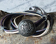 www.snowfall-beads.com - Jewelry project: Button Bracelet
