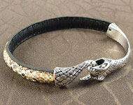 www.snowfall-beads.co.uk - Jewelry project: Snake Clasp Bracelet