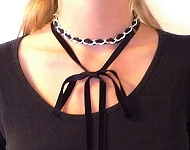 www.snowfall-beads.com - Jewelry project: Choker with Bow-tie