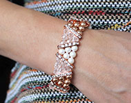 www.snowfall-beads.be - Sieradenproject: Rose gold & Crystal Bracelet